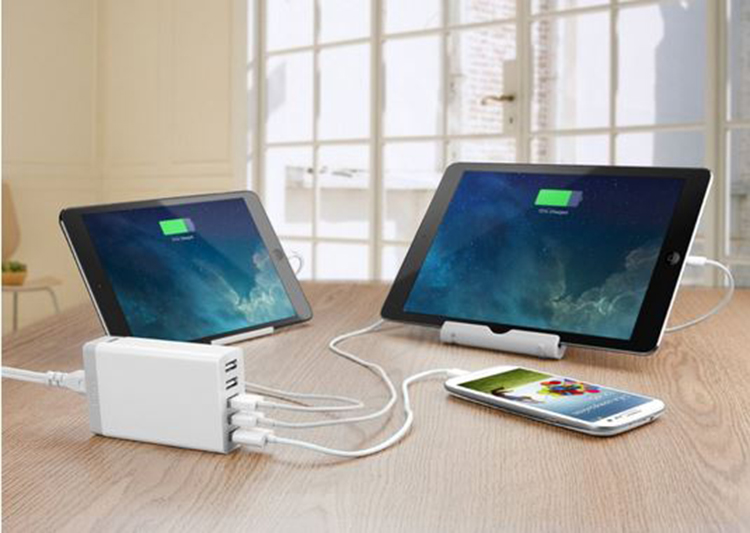 Anker® 40W 5-Port Family-Sized Desktop USB Charger review